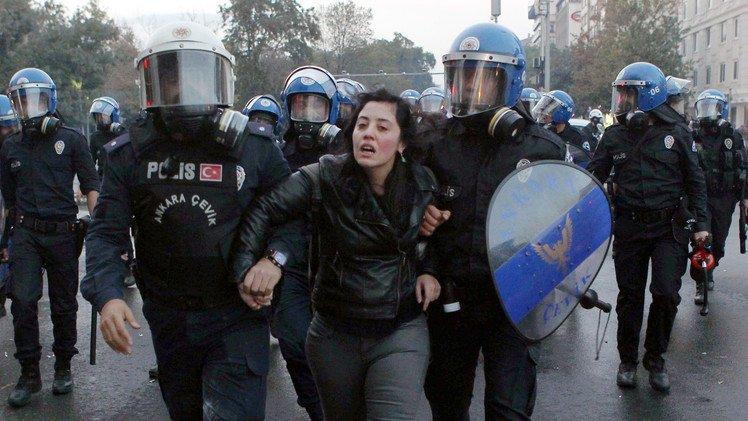 حملات الاعتقال تطال الجميع في تركيا
