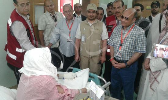 زيارة المستشار عمر مروان رئيس البعثة الرسمية للحجاج المرضى فى المستشفيات السعودية (2)