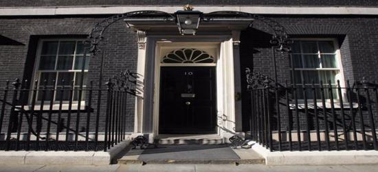 مقر الحكومة البريطانية في داوننج ستريت copy