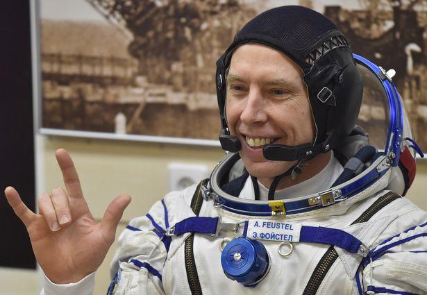 49700-0_KAZAKHSTAN-RUSSIA-US-SPACE-ISS