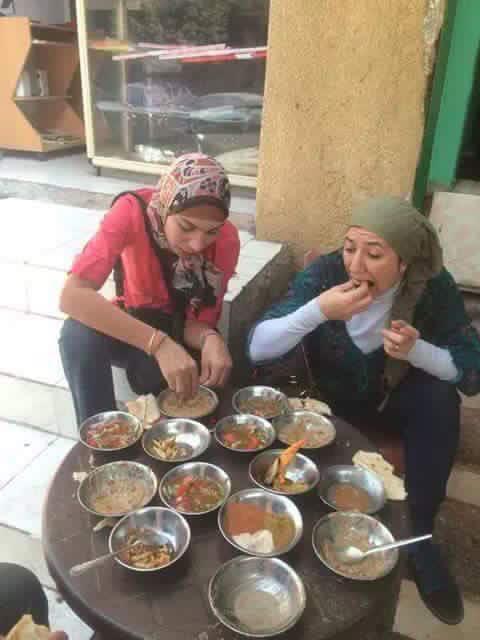 غادة نجيب ونيرمين حسين قبل حصولهم على تمويلات الإخوان