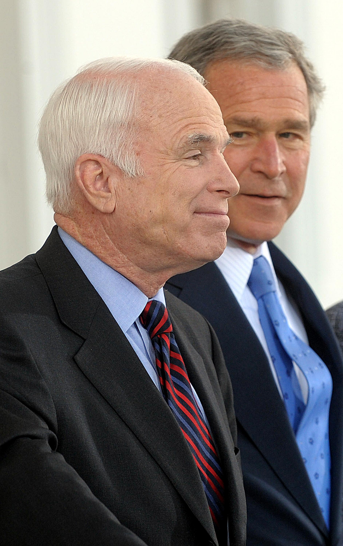 ماكين وجورج بوش