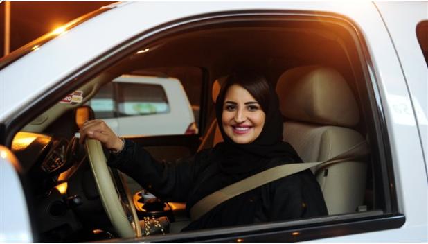السماح للمرأة السعوديه بقياده السياره