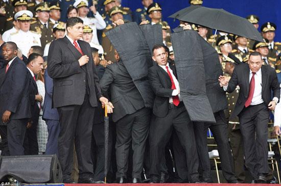 الهجوم-على-الرئيس-الفنزويلى-(3)