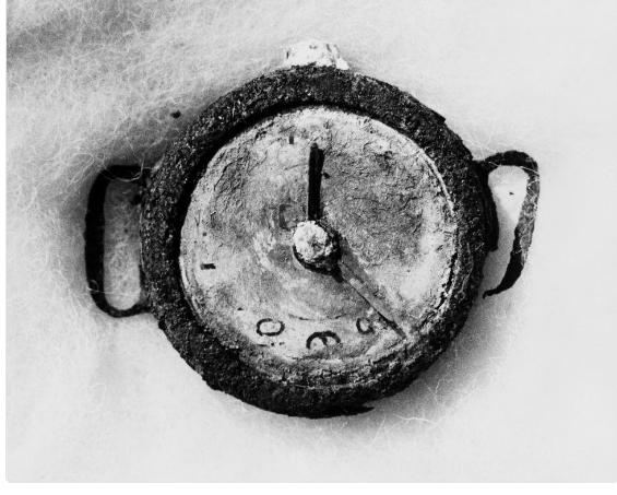 ساعة سجلت وقت انفجار القنبلة