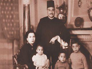 الشيخ أبو العينين شعيشع وزوجته وأبنائه