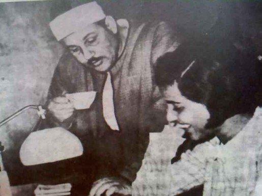 الشيخ محمود على البنا وابنته