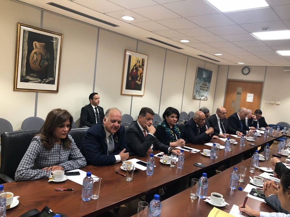 الدكتور عبدالعال مع أعضاء جمعية الصداقة البرلمانية القبرصية المصرية (1)