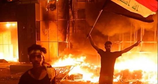 حرق القنصلية الإيرانية في الموصل العراقية