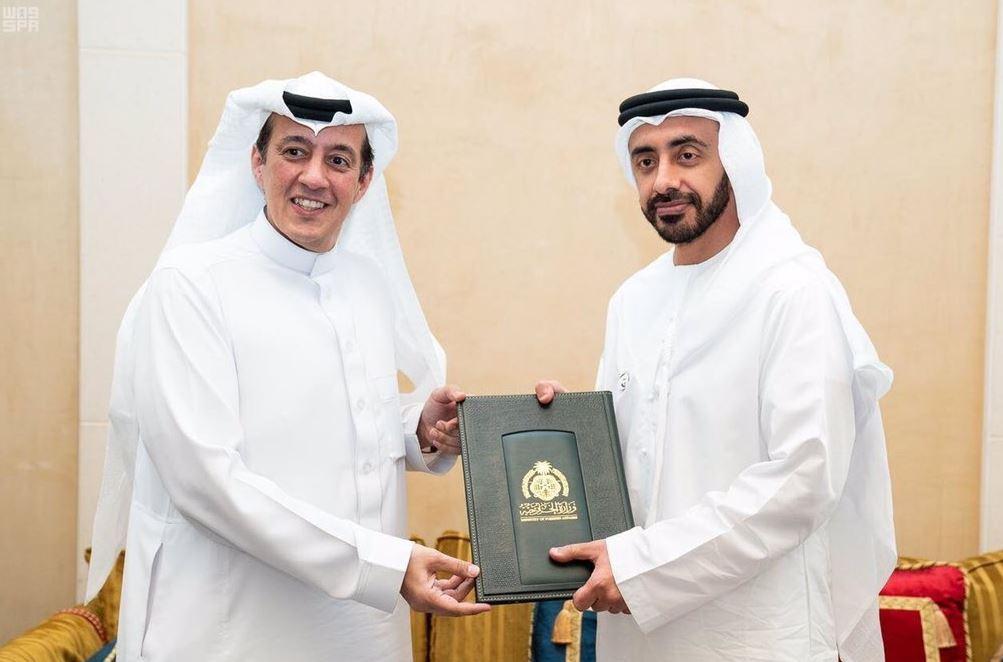 عبدالله بن زايد وتركي الدخيل