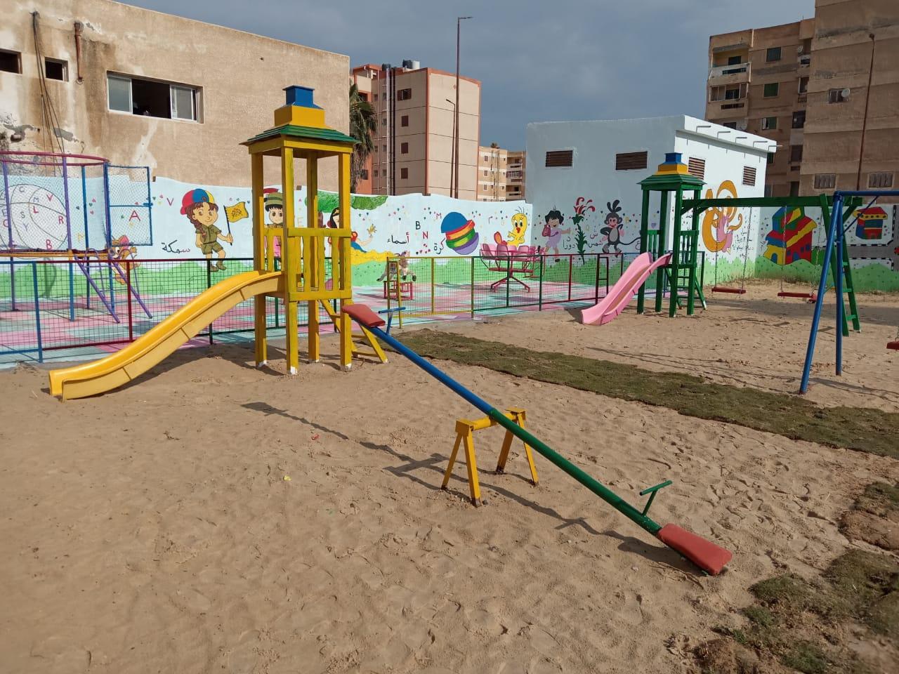 شوشة يفتتح حديقة ملاهي للطفل بمدرسة الشهيد مصطفي جاويش بالعريش (9)