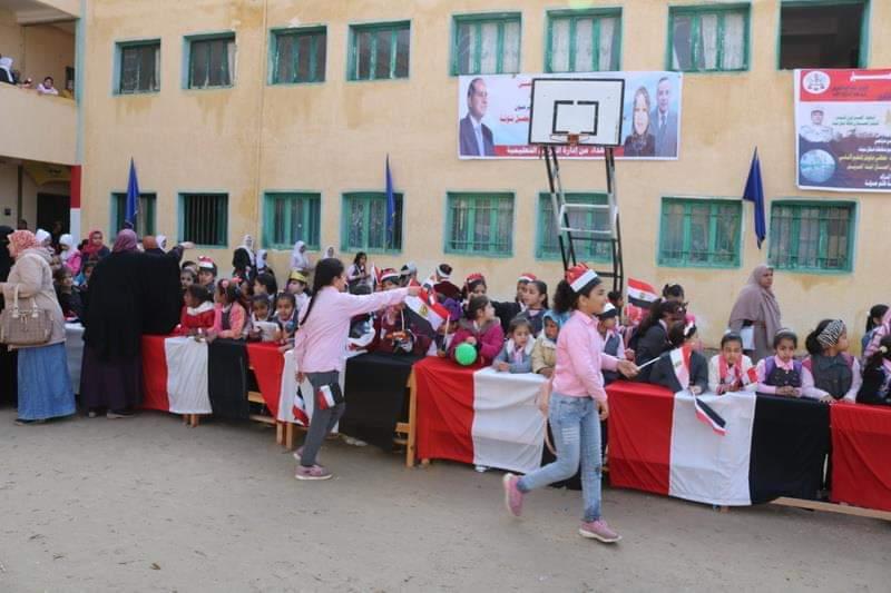 شوشة يفتتح حديقة ملاهي للطفل بمدرسة الشهيد مصطفي جاويش بالعريش (7)