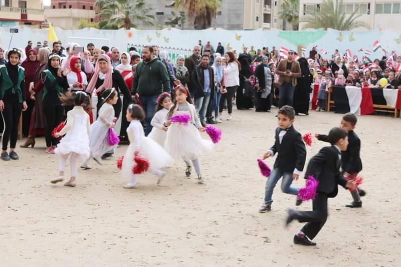 شوشة يفتتح حديقة ملاهي للطفل بمدرسة الشهيد مصطفي جاويش بالعريش (14)