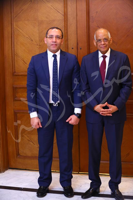 الدكتور علي عبد العال مع الاستاذ خالد صلاح (20)