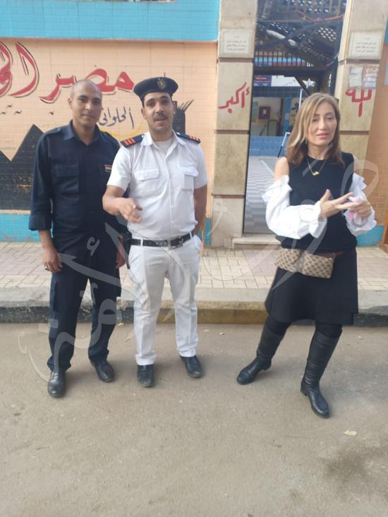 ريهام سعيد بصحبة ابنها طارق (1)
