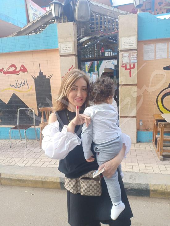 ريهام سعيد بصحبة ابنها طارق (5)