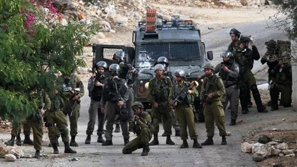 إصابة فلسطينين في مواجهات مع جنود الاحتلال الإسرائيلي