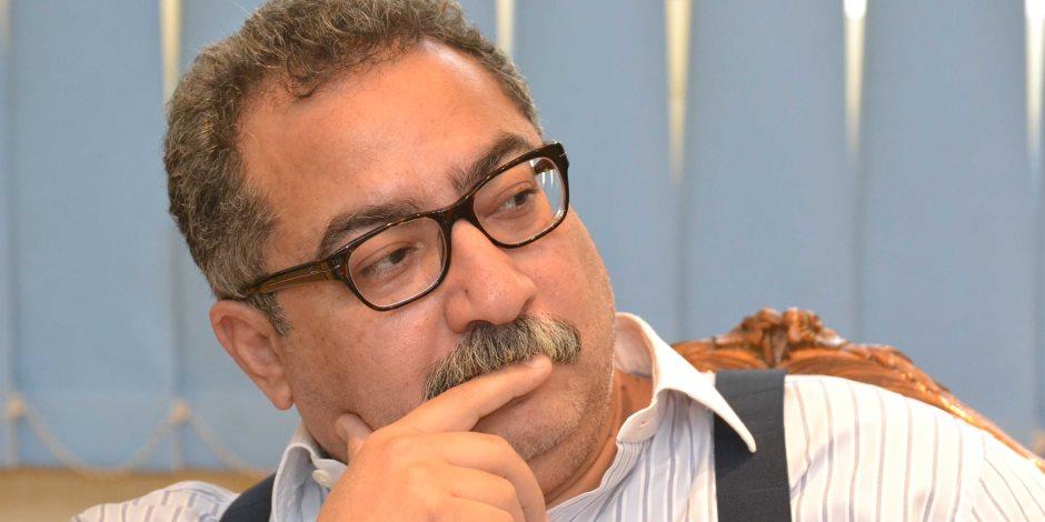 """إبراهيم عيسى: """"المنوفى"""" لا يقامر.. والرئيس السادات شرب السجائر حسب مكانته فى الدولة"""