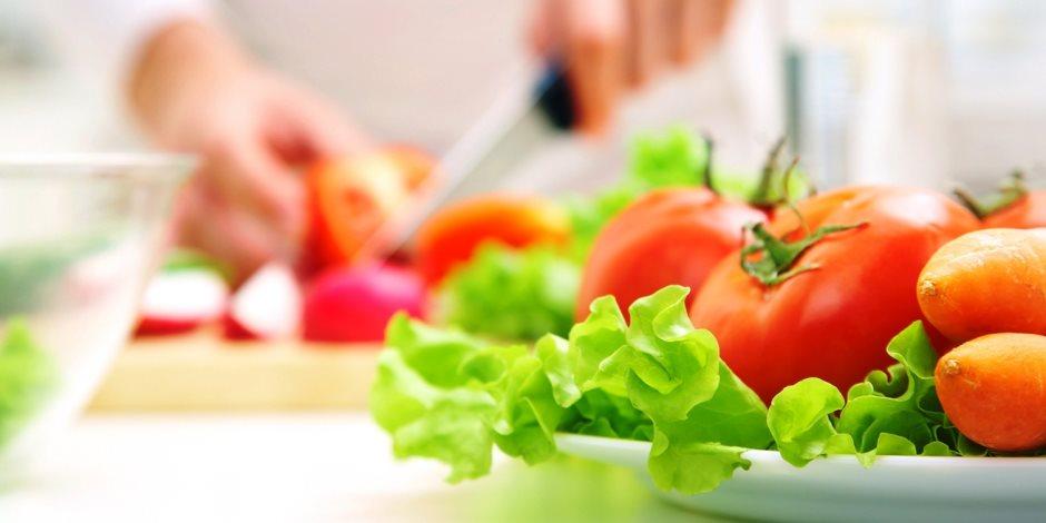 تناول الخضروات لكبار السن من السيدات يحافظ على صحة الأوعية الدموية