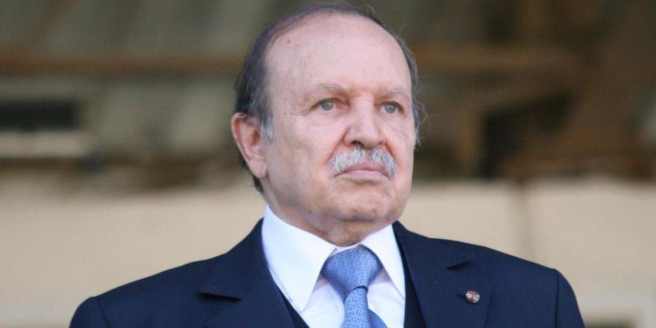 الرئيس الجزائرى يكلف الحكومة بسداد ديون الشركات الأجنبية والمحلية