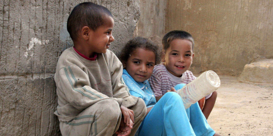 بعد 25 عاما من الاحتفال بالقضاء على الفقر.. دراسة بريطانية تؤكد وجود 19 دولة تعاني منه