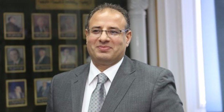 محافظ الإسكندرية يهيب بالمواطنين توخي الحذر بسبب التقلبات الجوية