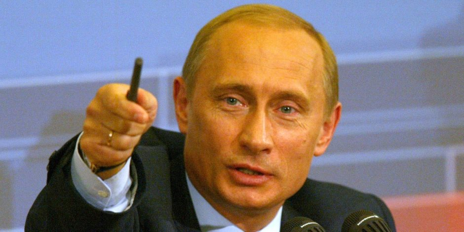 بوتين يؤكد على أولوية غزو القطبين الشمالي والجنوبي لدى روسيا