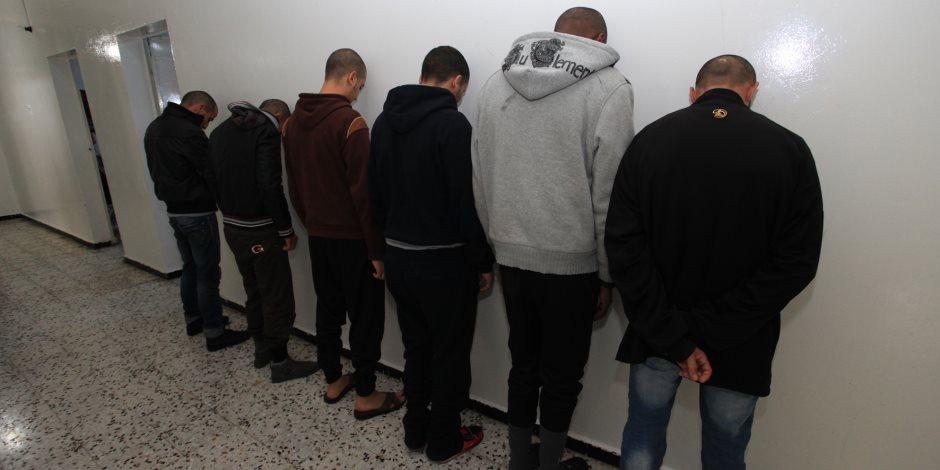 حبس تشكيل عصابي لاتهامهم بحيازة مواد مخدرة في التبين