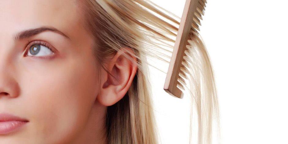 أسباب سقوط وضعف الشعر للسيدات (فيديوجراف)