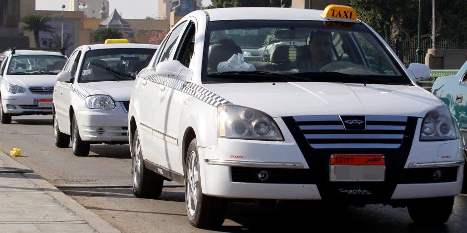 """""""خناقة"""" سائقي التاكسي مع الشركات.. """"أوبر"""" و""""كريم"""" يكسبوا"""