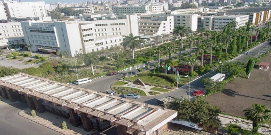 عشرة آلاف طالب أجروا الكشف الطبى بجامعة المنصورة