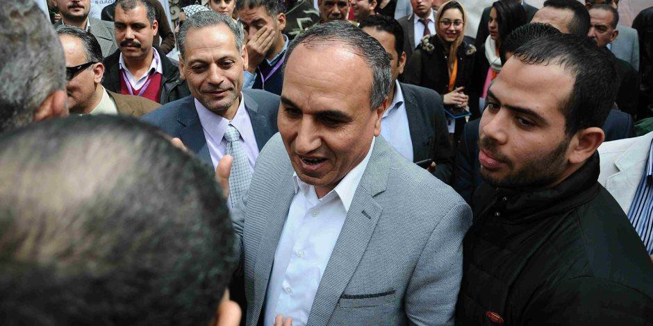 نقيب الصحفيين: طوابير المصريين أمام اللجان أجبرت الصحافة الأجنبية على الحيادية