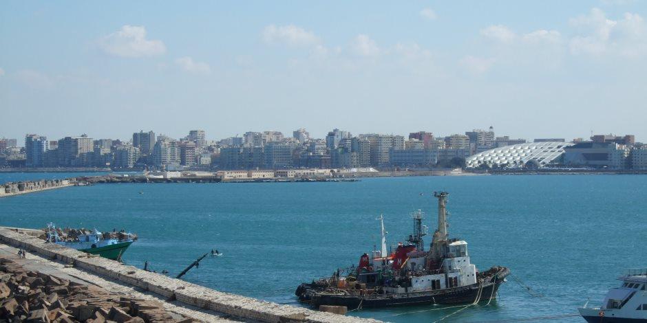 إغلاق بوغازي الإسكندرية والدخيلة أمام حركة الملاحة لسوء الأحوال الجوية