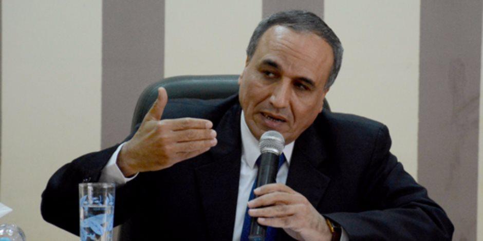 نقيب الصحفيين مهنئا السيسي: الشعب المصرى لديه القدرة على تحديد مصيره