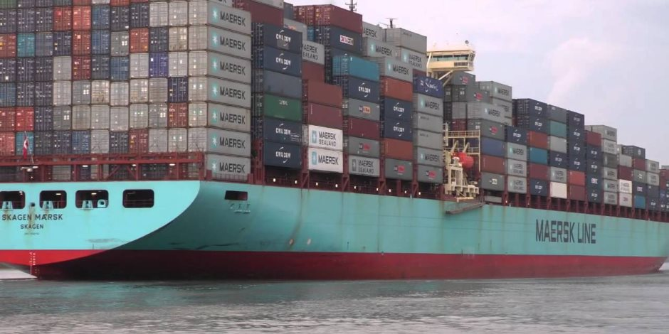 اقتصادية قناة السويس : موانئ بورسعيد و السخنة تسجل 34سفينة