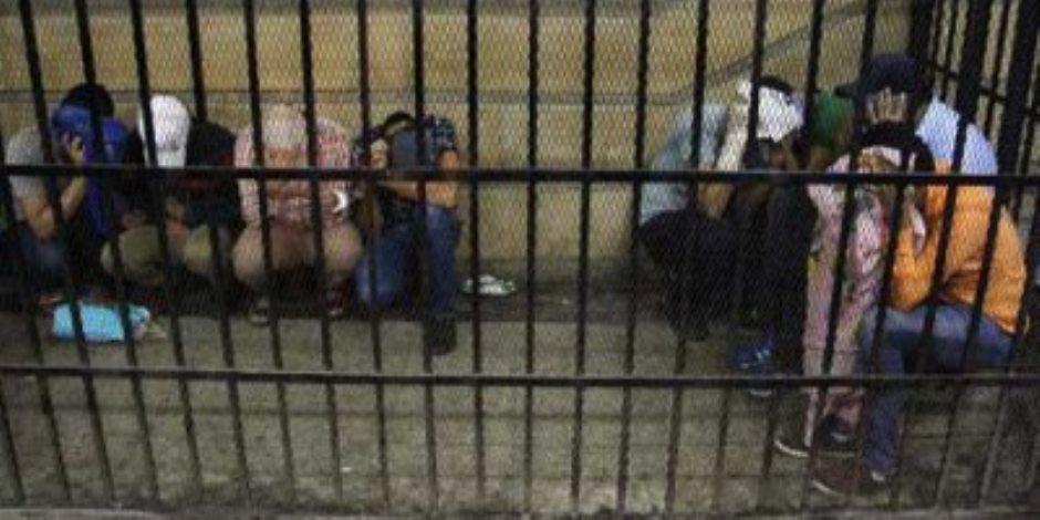 السجن 5 سنوات لـ3 عاطلين انتحلوا صفة ضباط لسرقة مواطن