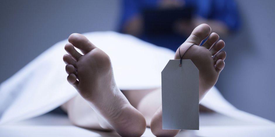 نيابة مدينة نصر تكشف غموض العثور على جثة شاب داخل سيارته