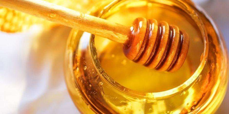 فوائد لتناول عسل النحل بعد الاستيقاظ صباحا وقبل النوم .. يطهر الأمعاء ويقاوم البكتيريا والفيروسات