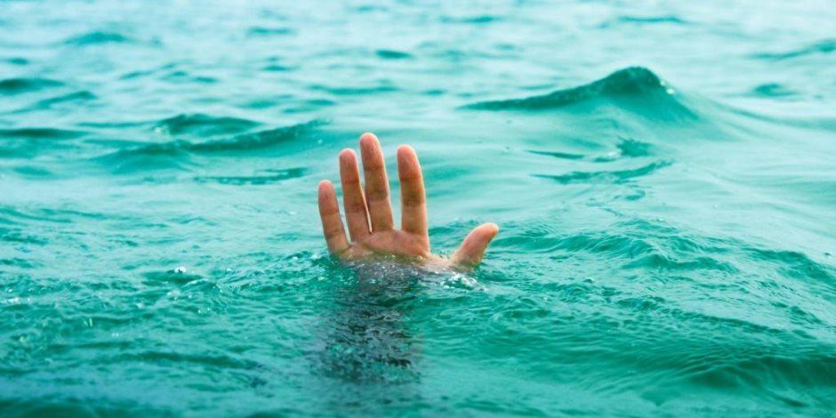 مصرع طفلة وإصابة شقيقتها بفقدان الوعي أثناء الاستحمام فى بركة مياه جوفية بالنوبارية