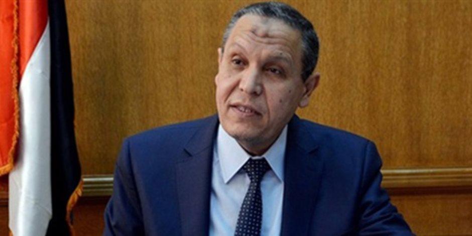 لجنه هندسية من جامعة عين شمس تعاين مصاعد مستشفى السويس العام