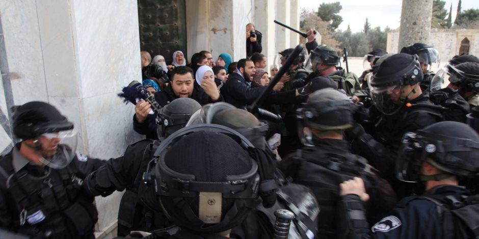 الهدف تقسيمه زمانيا ومكانيا.. لماذا تعتدي إسرائيل على الأقصى باستمرار؟