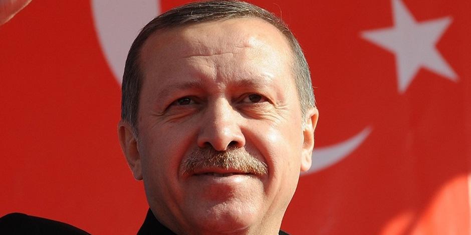 الاستفتاء يؤسس لـ«ديكتاتور».. لماذا دافع «أردوغان» عن ديمقراطية الربيع العربي المزيفة؟