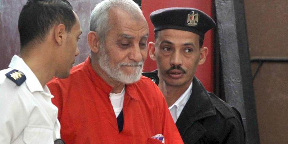 """بدء محاكمة محمد بديع و12 آخرين بـ""""أحداث مكتب الإرشاد"""""""