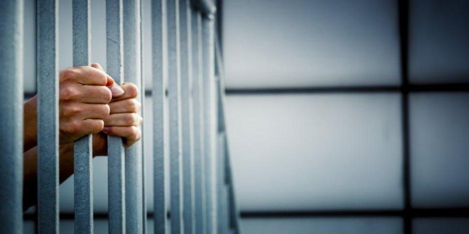 حبس تشكيل عصابي تخصص بالاتجار في المخدرات 4 أيام على ذمة التحقيقات