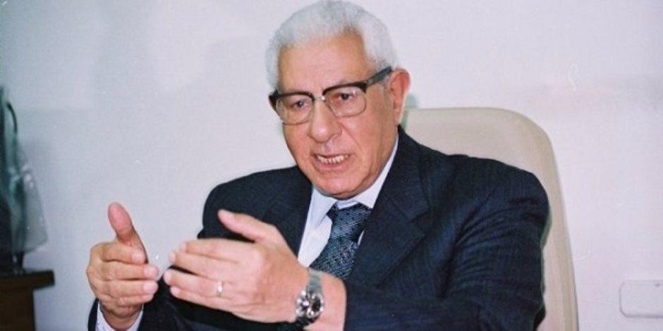 مكرم محمد أحمد: الطوابير خير رد على أكاذيب الصحف الأجنبية