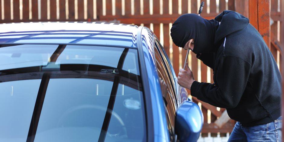 النيابة تطلب تحريات الأمن حول تعرض سائق لعملية سطو مسلح على سيارته