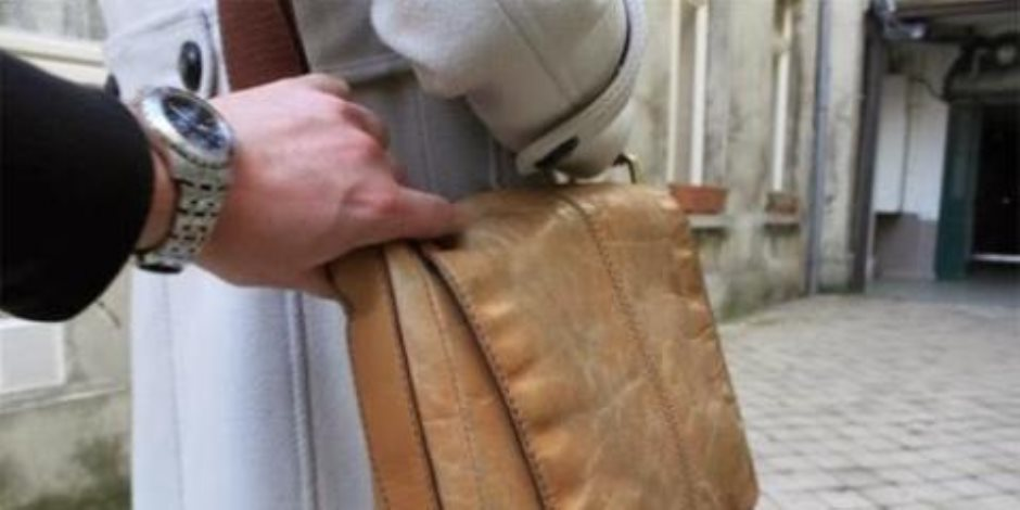 ضبط تشكيل عصابي لسرقة حقائب اليد و3 مسجلين خطر بالسويس
