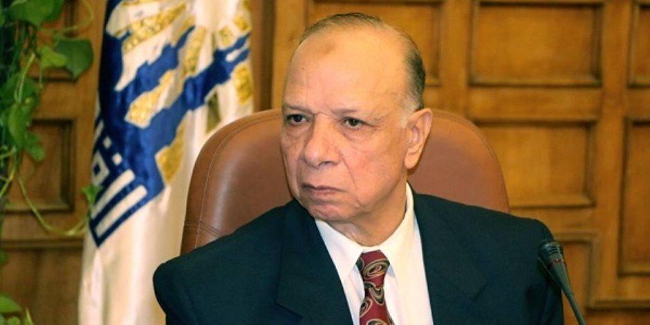 محافظ القاهرة يتابع التزام السائقين بالتعريفة الجديدة في «عبدالمنعم رياض»