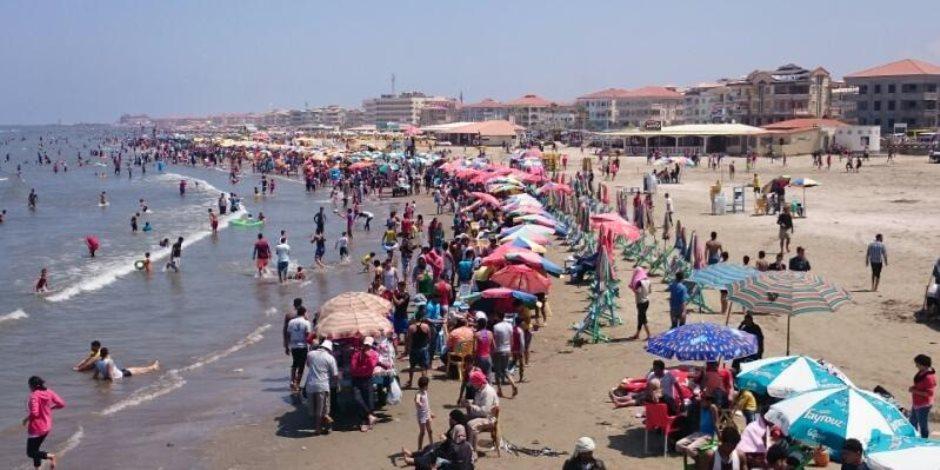 إنقاذ 38 شخصا من الغرق وإعادة 795 طفلا تائها لذويهم بشواطئ رأس البر