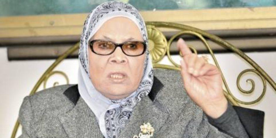 آمنة نصير عن موعد وصول جثمان مريم للقاهرة: لندن هي من تعلم